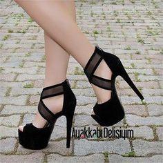 Brokli Süet Siyah Yüksek Topuklu Ayakkabı