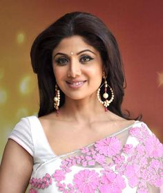 Shilpa Shetty- Bollywood actor and winner of Celebrity Big Brother UK Bollywood Actress Hot Photos, Indian Bollywood Actress, Indian Film Actress, Bollywood Fashion, Indian Actresses, Shilpa Shetty Photo, Attractive Eyes, Most Beautiful Eyes, Indian Beauty Saree