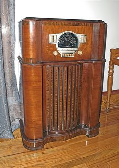 1930 S Philco Radio Phonograph That I Just Brought Back