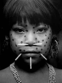 Yanomami tribe of northern Brazil and southern Venezuela. Arte Tribal, Tribal Art, Yanomami, Indigenous Tribes, Tribal People, Many Faces, Native Indian, World Cultures, Body Modifications