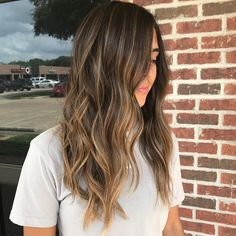 Balayage Blonde Ends - 20 Fabulous Brown Hair with Blonde Highlights Looks to Love - The Trending Hairstyle Brown Hair With Blonde Highlights, Brown Ombre Hair, Brown Hair Balayage, Brown Hair Colors, Hair Highlights, Blonde Balayage, Caramel Highlights, Color Highlights, Golden Brown Hair