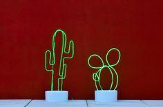 Tutoriel Déco : Comment réaliser un cactus lumineux en fil de néon et ciment