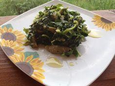Alege Bio - http://alegebio.blogspot.ro/2013/05/salata-calda-cu-spanac-si-ciuperci.html?spref=fb