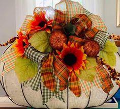 Dollar Tree Pumpkins, Dollar Tree Crafts, Dollar Tree Store, Metal Pumpkins, Fall Pumpkins, Thanksgiving Wreaths, Fall Wreaths, Pumpkin Arrangements, Floral Arrangements