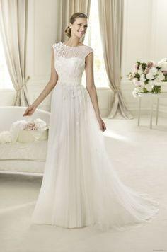 Stunning lace Provonias wedding dress