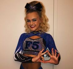 VSCO - skylarjuddxxoo If you are trying to find hairstyles that may allow you to Cheer Picture Poses, Cheer Poses, Cheer Outfits, Cheerleading Outfits, All Star Cheer Uniforms, Cheer Team Pictures, Cheers Photo, Sport Hair, Sporty Hairstyles