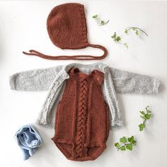 Children and Young Knitted Baby Clothes, Cute Baby Clothes, Doll Clothes, Babies Clothes, Knitting For Kids, Baby Knitting, Baby Girl Fashion, Kids Fashion, Pinterest Baby