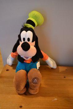 "Disney Store GOOFY 16"" Plush  W/ Authentic Disneystore Patch"