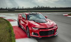 The ZL1 features a supercharged LT4 6.2L V-8 Small Block engine, with intake and…