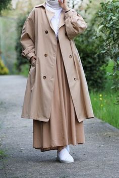 Emin Elif Butik   Tesettür Giyim Modelleri Uygun Fiyatlarla Raincoat, Jackets, Fashion, Rain Jacket, Down Jackets, Moda, Fashion Styles, Fashion Illustrations