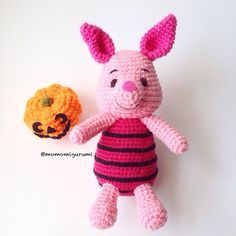 Crochet piglet  photo shown is using acrylic yarn    milk cotton yarn is used upon request.      ☆ ☆ ☆ MADE TO ORDER. ☆ ☆ ☆    Orders take up to