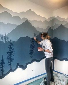 I just know you guys aren't tired of me painting trees yet 🌲 www.woodensens – Gregor Powroznik I just know you guys aren't tired of me painting trees yet 🌲 www.woodensens I just know you guys aren't tired of me painting trees yet 🌲 www. Mountain Mural, Mountain Nursery, Mountain Bedroom, Mountain Decor, Kids Bedroom, Bedroom Decor, Boy Room, My Dream Home, Home Projects