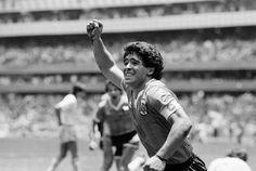 """22 de Junio de 1986. Estadio Azteca, México.  Diego Armando Maradona acaba de convertir el mejor gol en la historia de los mundiales. Un gol legendario, jamás visto.  En una inigualable jugada individual, desplegó todo su talento, coraje y genialidad, dejando en el camino a cinco jugadores ingleses, para marcar """"El gol del siglo"""".  #Argentina 2-1 Inglaterra. #Genio del #Futbol. #D10S #Mundial1986 #BarrileteCosmico #Leyenda  https://www.youtube.com/watch?v=jOz2uGMTA2w"""