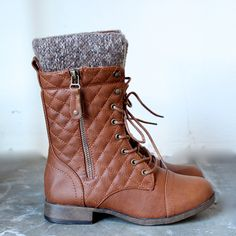 alpine quilted combat sweater boots in tan - shophearts - 2