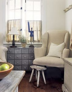 Nice chest of small drawers in slate grey