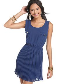 http://www1.macys.com/shop/product/be-bop-dress-sleeveless-pleated-scoop-neck?ID=633915&CategoryID=18109&LinkType=#fn=SPECIAL_OCCASIONS%3DDaytime%26sp%3D1%26spc%3D104%26ruleId%3D2%26slotId%3D94