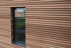 Modern [Exterior] Window Details is part of Exterior wall cladding - Exterior window details play a huge part in making a house look modern Here are 6 modern exterior window details to choose from for your modern home Exterior Wall Cladding, Cedar Cladding, House Cladding, Exterior Windows, Modern Exterior, Exterior Design, Wooden Facade, Wooden Wall Cladding, Window Detail