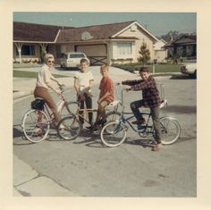 Retro Vintage Lovely Color Snapshots of Kids with Their Bicycles in the ~ vintage everyday Vintage Vibes, Mode Vintage, Retro Vintage, 1960s Aesthetic, Aesthetic Vintage, Film Aesthetic, Flower Aesthetic, Old Pictures, Old Photos