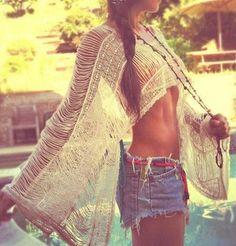 Crochet Boho Poncho Top. Summer Fashion. Boho Outfit. Bohemian Style. Festival Fashion. Festival Outfit