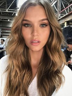 Wavy hair style. I love soft waves like these, they give such a beautiful angelical look
