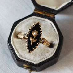 Gold, Onyx & Pearl Ring | アンティークジュエリー GoodWill