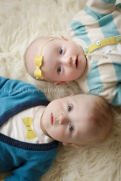 6 month twins | 6 month pictures | 6 month twin session | Twin pictures | Twin photo session | Child Photography | Central KY Child Photographer | Georgetown KY Photographer | Lexington KY Photographer | www.capturedbyclay.com | Captured by Clay Photography