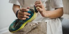 Cara Mencuci Sepatu Sport