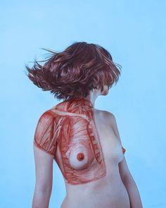 Visceral – Entre photographies de nu et illustrations anatomiques