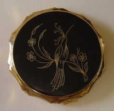 KIGU vintage powder compact by damselfly58- settling in but using wi fi. very slo, via Flickr