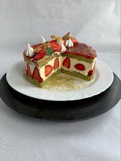 Tarta de fresas Panna Cotta, Ethnic Recipes, Food, Strawberry Fruit, French Tips, Pies, Cooking, Dulce De Leche, Essen