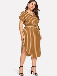 Plus Curved Hem Tie Waist Striped Dress -SheIn(Sheinside) Casual Dresses Plus Size, Plus Size Outfits, Summer Work Outfits Plus Size, Curvy Outfits, Fashion Outfits, Look Star, Looks Plus Size, Latest African Fashion Dresses, Plus Size Fashion For Women