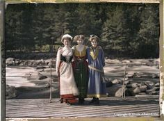 Sweden - The Dawn of the Color Photograph: Albert Kahn's Catalog of Humanity – Brain Pickings Old Pictures, Old Photos, Vintage Photographs, Vintage Photos, Albert Kahn, Subtractive Color, Colorized Photos, Folk Costume, Costumes