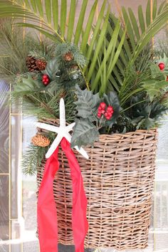 Starfish Cottage: door basket instead of wreath