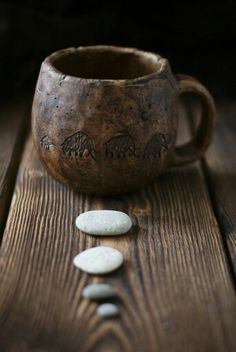 Ceramic Cups, Ceramic Pottery, Ceramic Art, Wabi Sabi, Pottery Handbuilding, Wooden Statues, Dragonfly Art, Clay Mugs, Chocolate Mugs