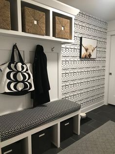 Monochrome Wallpaper/ Black and White Removable Wallpaper/ Self-adhesive Wallpaper / Aztec Pattern Wall Covering - 120 - creativity design - Aztec Wallpaper, Pink Wallpaper, Screen Wallpaper, Trendy Wallpaper, Laundry Room Wallpaper, Flur Design, Entry Way Design, Laundry Room Storage, Laundry Room Design