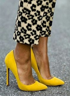 Yellow heels adds a gorgeous pop colour next to these monochrome trousers #colour #fashion