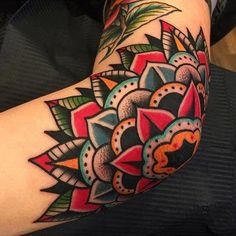 A Beginner's Guide: Popular Tattoo Styles Briefly Explained,tattoo style Trendy Tattoos, Popular Tattoos, Cool Tattoos, Feminine Tattoos, Tatoos, Styles Of Tattoos, Gorgeous Tattoos, Traditional Tattoo Flowers, Traditional Style Tattoo