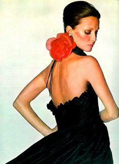 Model, Karen Graham. Halter black taffeta gown with red silk cabbage rose by Oscar dela Renta. Photo by Penn. US Vogue Nov 1971. awsome