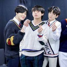 Maknae line ❤ Jungkook Jimin, Bts Bangtan Boy, Taehyung, Vmin, Foto Bts, Jikook, K Pop, Bts Maknae Line, Bulletproof Boy Scouts