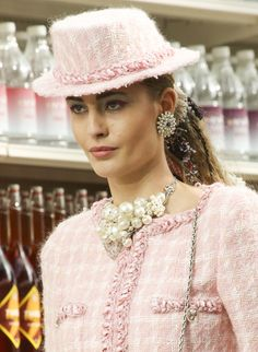 Bunches of pearls at Chanel...hmmm, a friend who does wired accessories should be able to achieve this look
