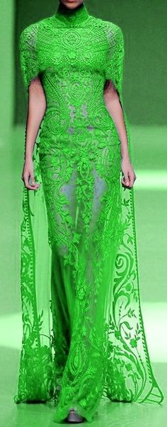 High Fashion Makeup, Michael Cinco, Green Fashion, Fairy Makeup, Mermaid Makeup, Makeup Art, Makeup Geek, Glamour, Beautiful Gowns