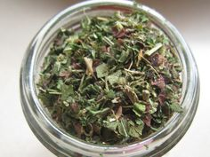 Herbal Superfood Seasoning Mix Ingredients *All herbs should be dried. -Nettle leaf -Dandelion leaf -Plantain leaf -Dulse leaf flakes -Thyme leaf -Parsley leaf -Sage leaf -Rosemary mix in equal parts Homemade Spices, Homemade Seasonings, Cooking Herbs, Cooking Tips, Pesto, Real Food Recipes, Healthy Recipes, Seasoning Mixes, Cupcakes
