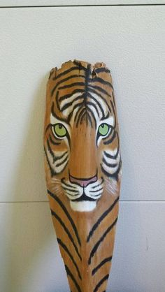 I used acrylic paints, sealed, ready to display. Perfect for a safari/ jungle theme room. Palm Tree Crafts, Palm Tree Art, Palm Trees, Palm Frond Art, Palm Fronds, Feather Painting, Painting On Wood, Plastic Bottle Art, African Art Paintings