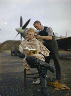Los soldados británicos incluso durante la Segunda Guerra Mundial no descuidaban su aspecto.