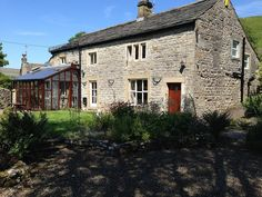3 bedroom cottage in Grassington with garden from £112/PN