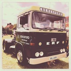 Rob Campbell's delightfully origina in full livery. What a belter and what an interior. A big cab and… Vintage Trucks, Old Trucks, Road Train, Commercial Vehicle, Classic Trucks, The Good Old Days, Middle East, British, Europe