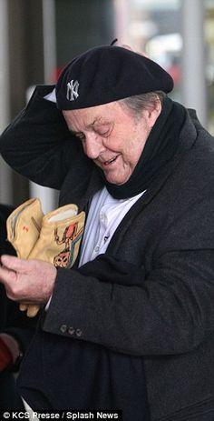 American in Paris! Jack Nicholson wanders around the streets in New York Yankees beret as he jets in for friend's funeral Jack Nicholson The Shining, New York Street, New York Yankees, Beret, Jets, Funeral, Crowd, Costume, Paris