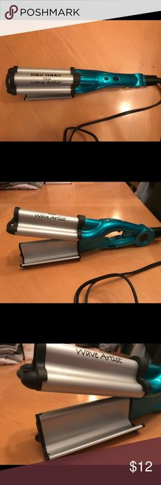 TIGI BedHead Waver TIGI BedHead Waver. Only used maybe 3-4 times - great condition (as shown in photos). Tigi BedHead Accessories Hair Accessories