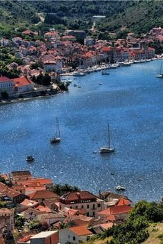 Croatia Travel Blog: For those of you thinking about where to go in Croatia in 2016 here are 16 places to visit for 2016 beyond Croatia's major attractions. Click to find out more!