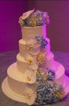 orchid hydrangea wedding cake